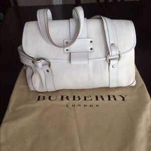 Summer white Burberry leather purse